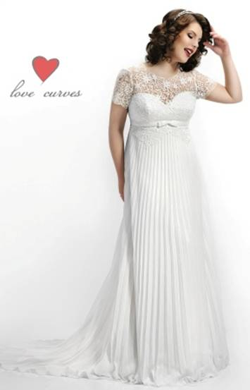 342 curvy wedding dress lace wedding dress bridal gown for Wedding dresses for short and curvy